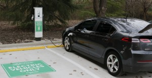 Dallas Zoo's new EV charging station charges first electric vehicle.